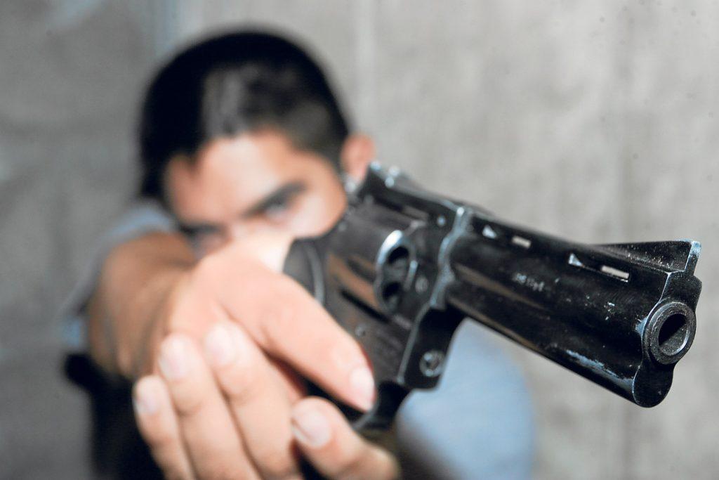 Delincuentes y armas ilegales en Perú - Por Redacción Espacio Armas