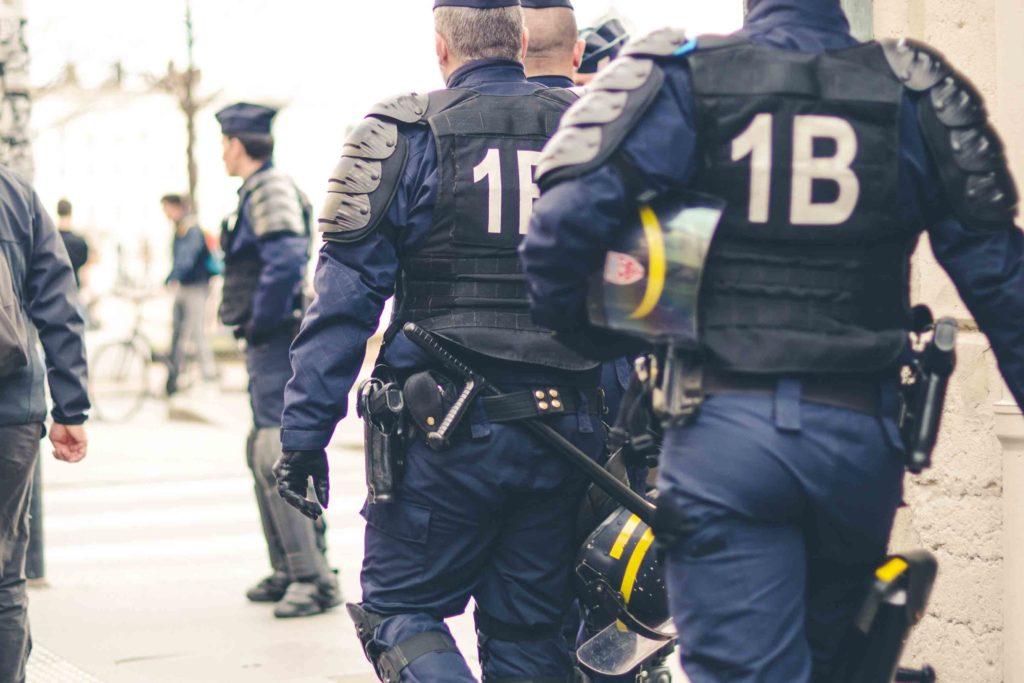 Fundas y sistemas de porte de arma para operadores civiles y policía
