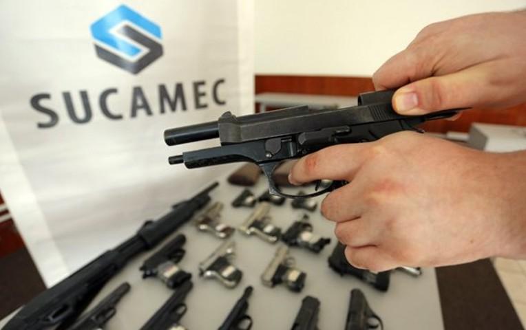 Perú licencias de armas legales en peligro