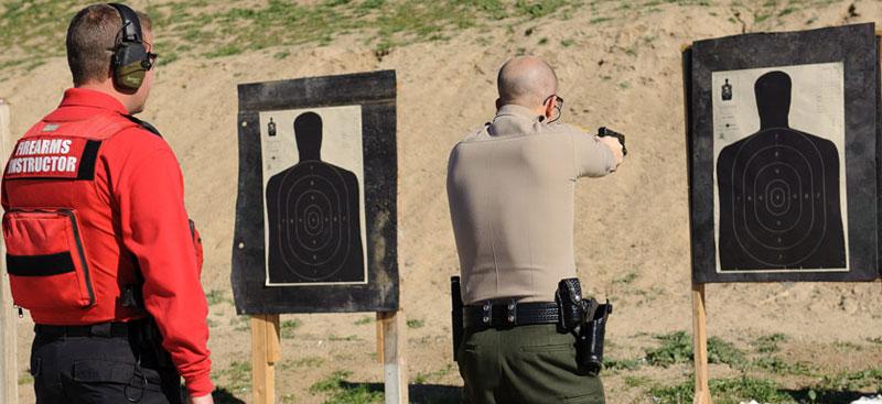 """Instructor de tiro ¿quién es? Darle una """"identidad"""" profesional no es fácil"""