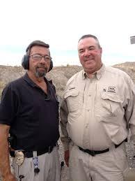 Izquierda Masaad Ayoob, derecha Dennis Tueller. Redacción Espacio Armas.