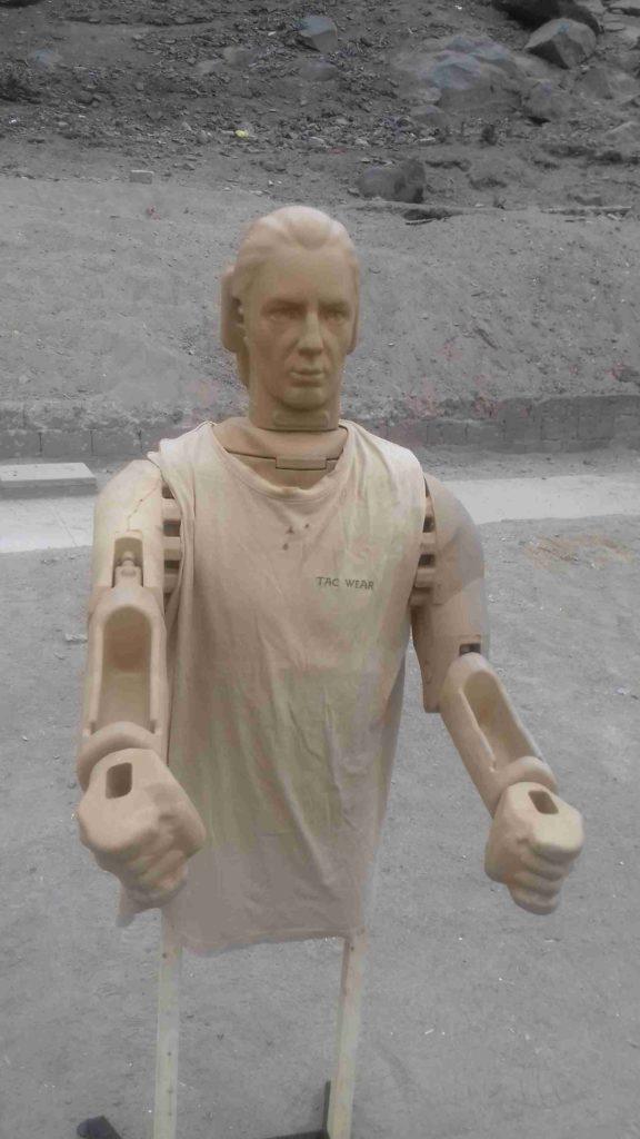 Maniquí en 3D para cursos con arma larga y corta. Fuente: Taczone