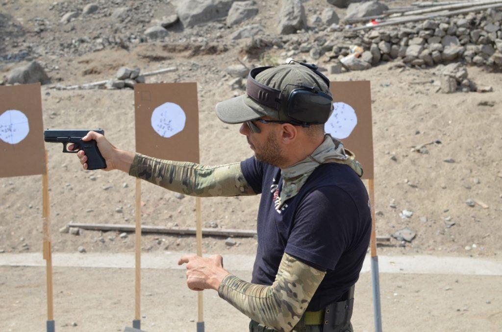 Fundamentos tiro con pistola, curso en Perú