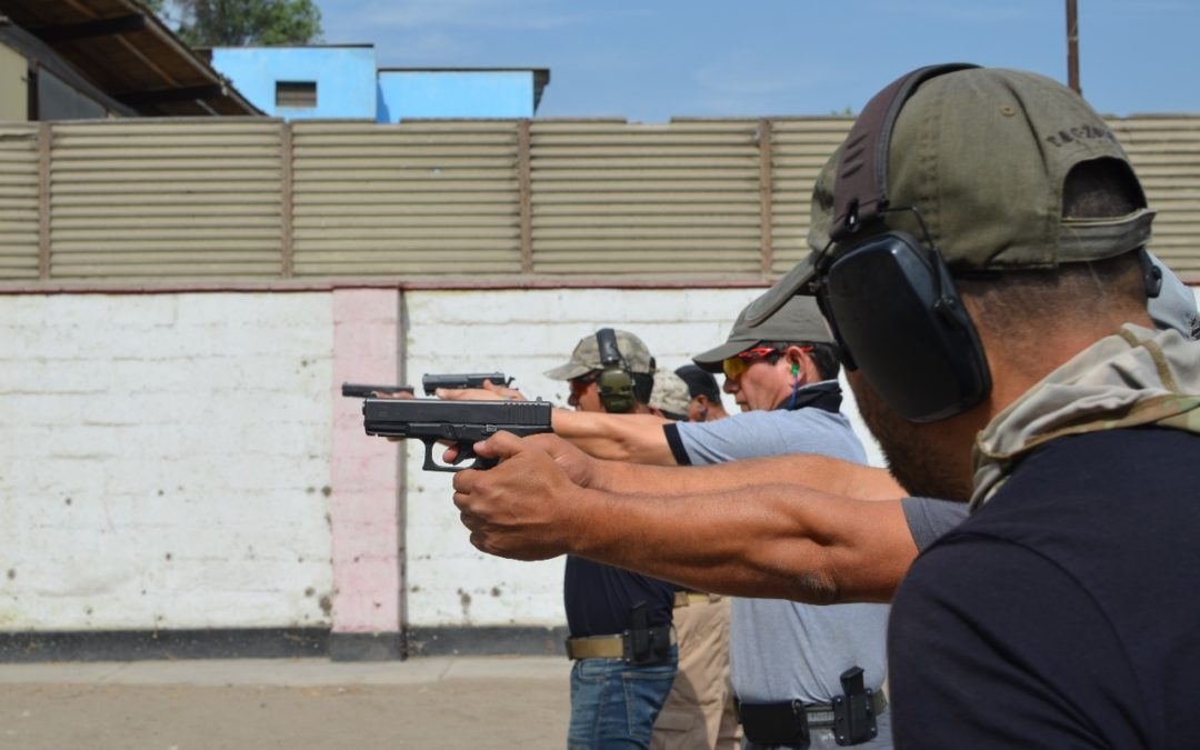Perú. Fundamentos de tiro con pistola