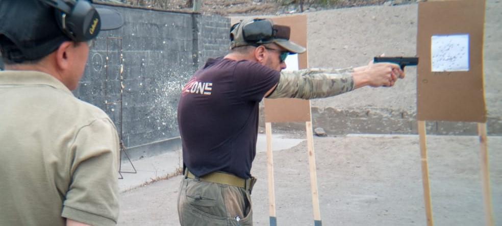 """Demostrando algunos de los """"drill"""". Fuente Tac-Zone. Redacción Espacio Armas."""