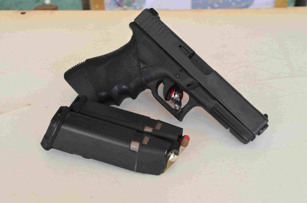 Glock 21 C, Cal. 45 Acp. Fuente Tac-zone.com. Redacción Espacio Armas