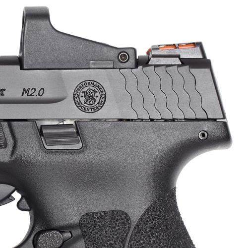Pistola M&P Shield Smith&Wesson, modelo M2.0. Detalle de las miras traseras (alza) de la marca HIVIZ. Fuente Smith&Wesson. Redacción Espacio Armas.