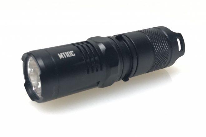 Linterna de mano Nitecore 920 Lumen MT10C