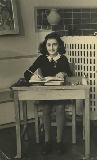 Fuente: pagina oficial de Anne Frank Stichting, Amsterdam. Redaccion Espacio Armas.