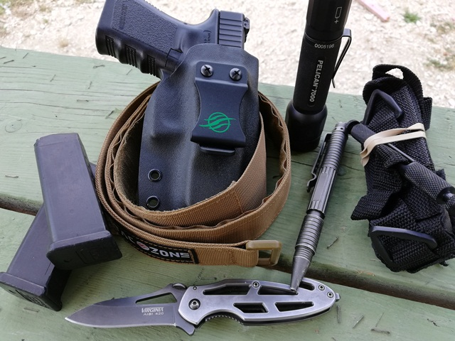 Equipamiento básico armas defensa personal, EDC: Every Day Carry