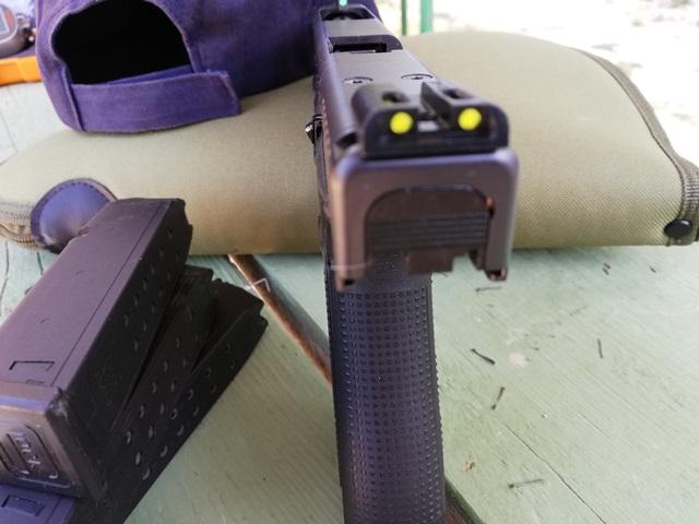 Glock G34 se nota la placa para el MOS, en este caso hay miras TRUGLO. Fuente Taczone. Redacción Espacio Armas.