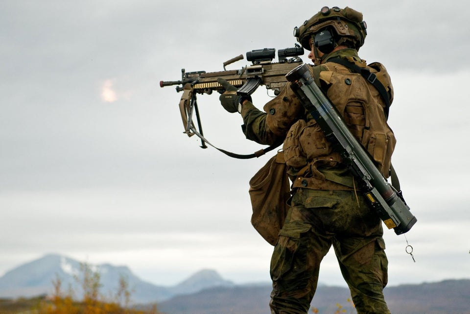 Norwegian Army soldier with FN Minimi and M72