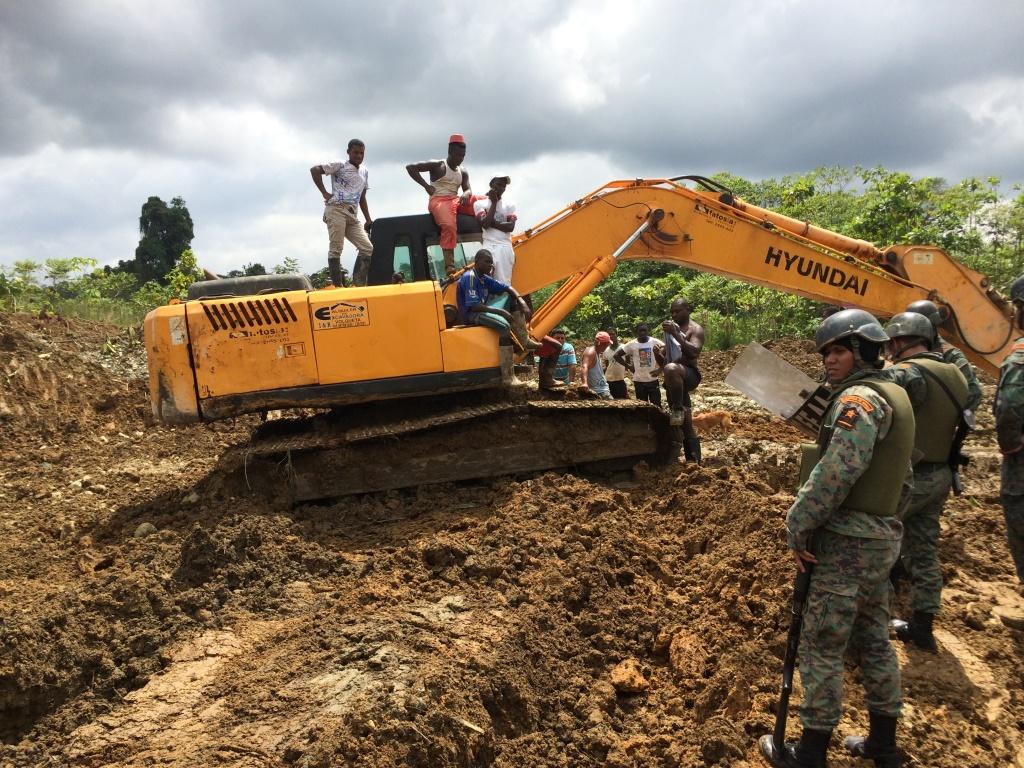 Autoridades de Ecuador incautan una mina ilegal de oro en Esmeraldas. Cortesía de la Agencia Minera de Ecuador