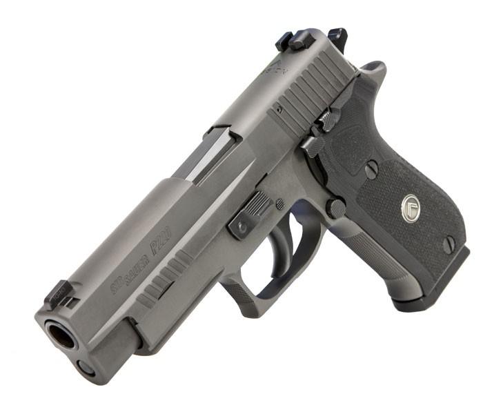 SIG SAUER amplía la serie LEGION con la introducción del modelo P220 LEGION en calibre  10mm SAO